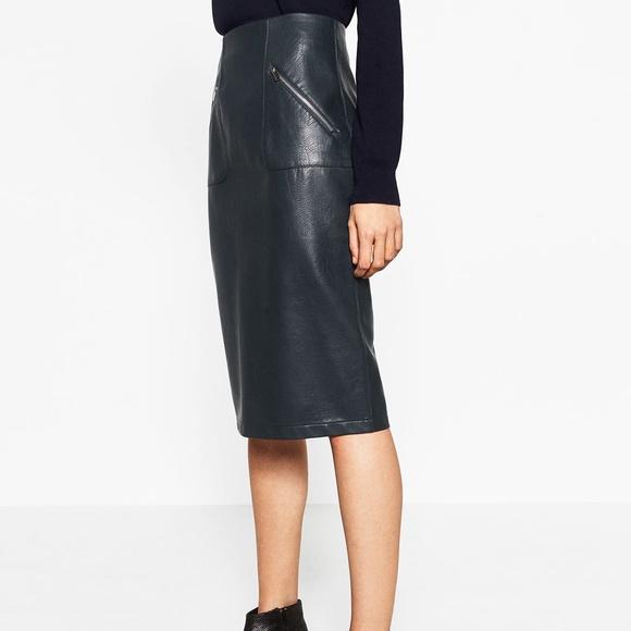 56b0a3b36f ZARA Faux Leather Pencil Skirt. M_5abeb7ad3800c57a67faba4b